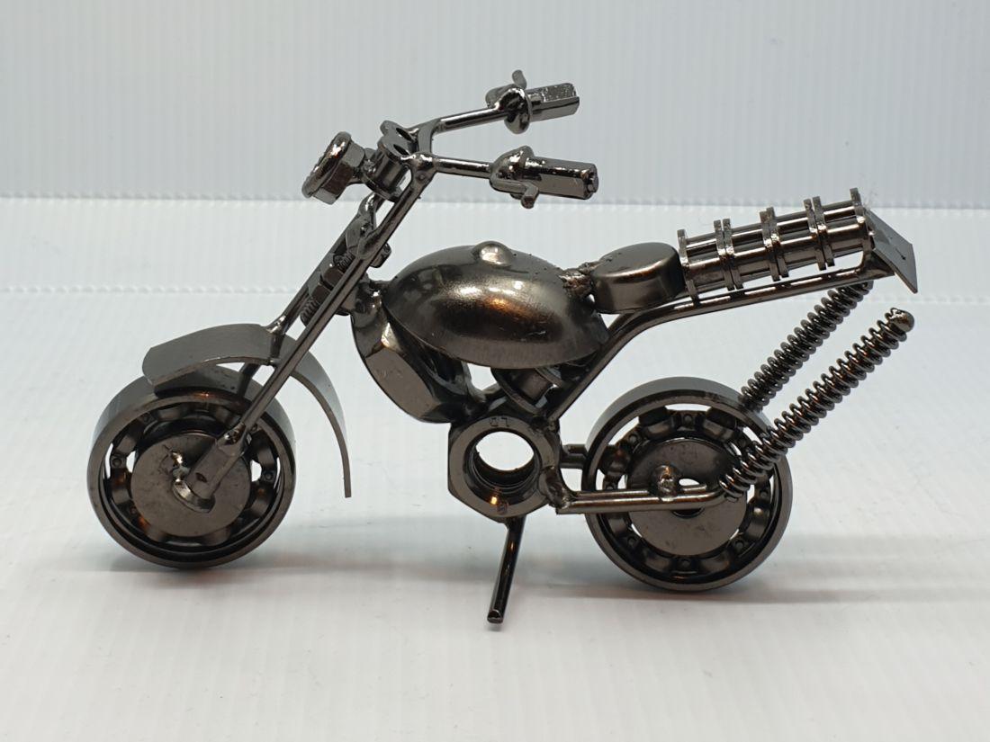 Fém motor 120