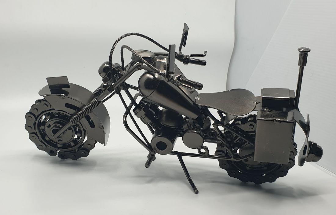 Fém motor 153